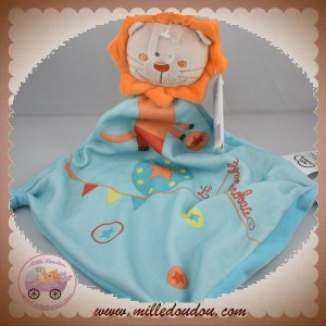 MOTS D'ENFANTS SOS DOUDOU LION PLAT BLEU ORANGE ACROBATE